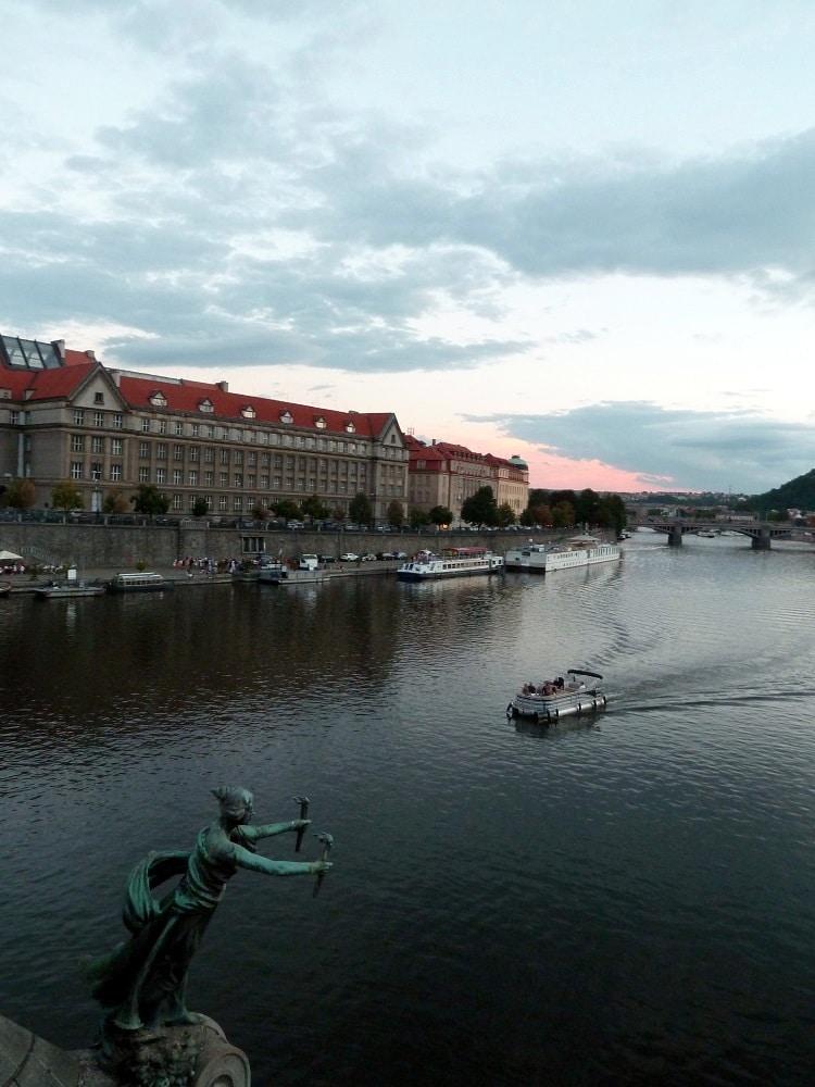 Pont Čech au coucher de soleil